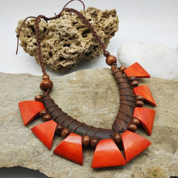 Jungle necklace red 560a