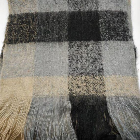 324 Unisex Acrylic scarf checks 01